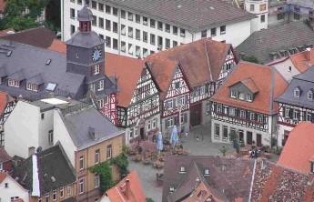 Dies ist ein Blick von nord-ost auf den Marktplatz Heppenheim (Bergraße)
